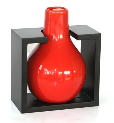 Керамична ваза с дървена поставка /червена/