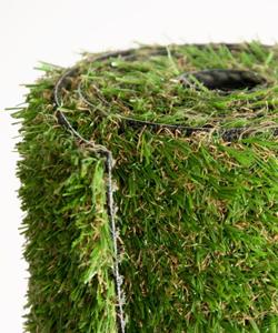 Балатум и изкуствена трева